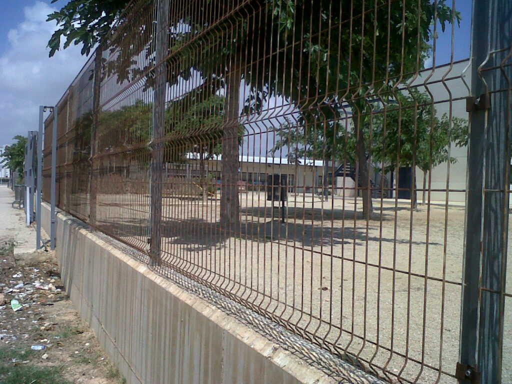 Vinuesa vallas cercados malla plegada valla para todo for Vallas metalicas para piscinas