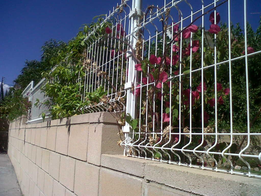 Vinuesa vallas cercados malla electrosoldada plegada - Vallas metalicas jardin ...
