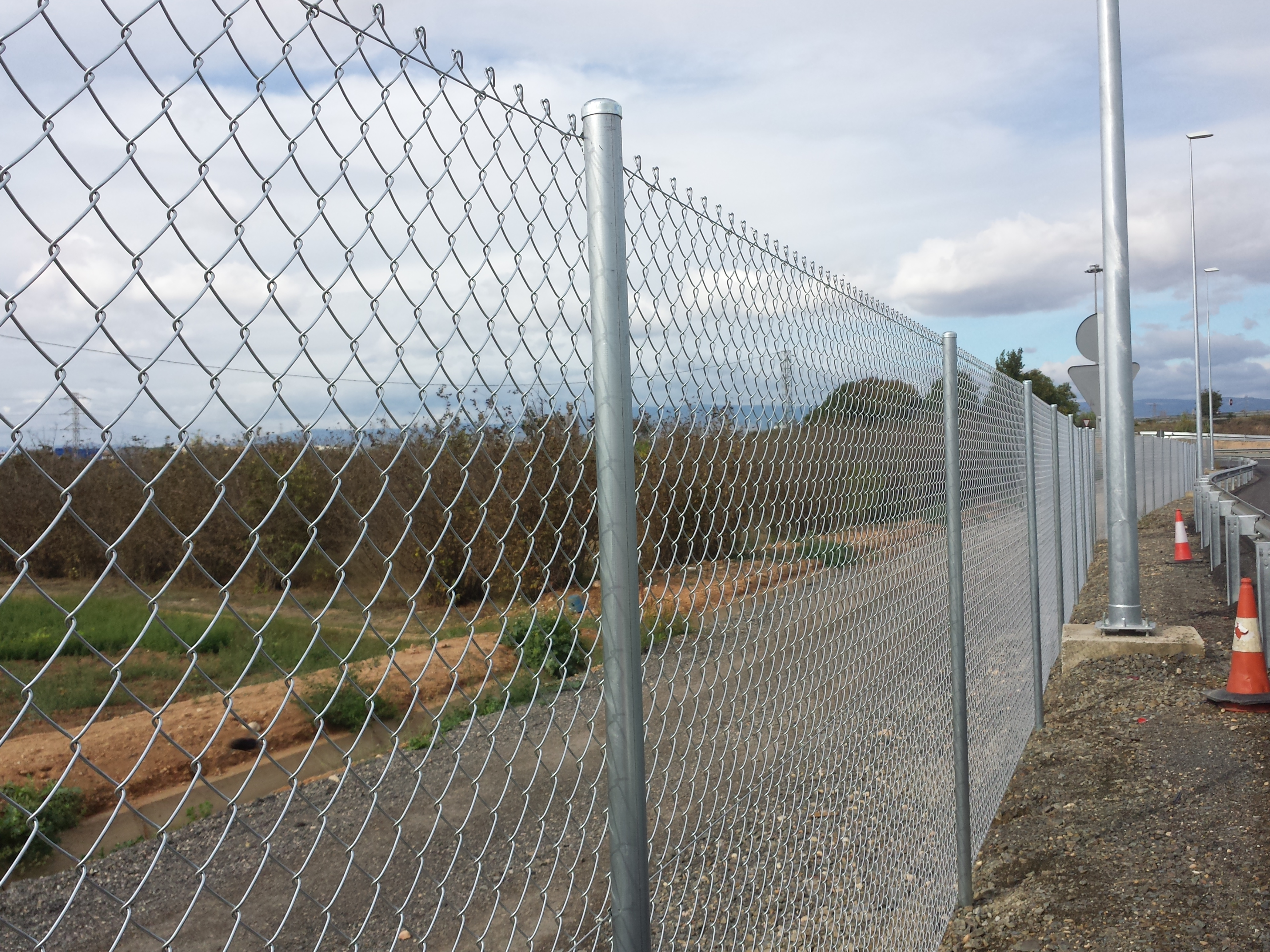 Vinuesa vallas cercados montaje valla vallados cercados - Vallar un terreno ...