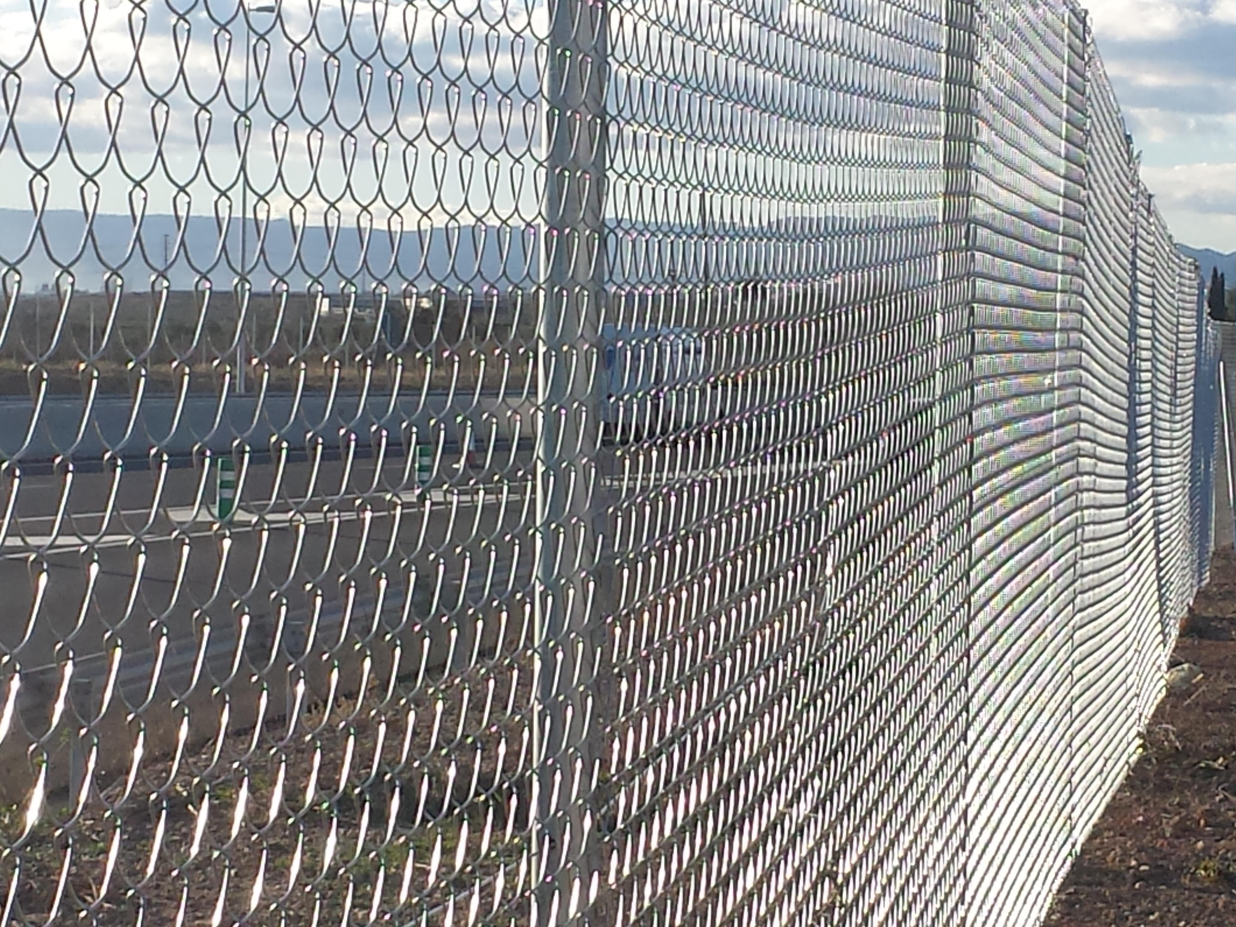 Vinuesa vallas cercados como son las mallas met licas de - Vallas de obra precio ...
