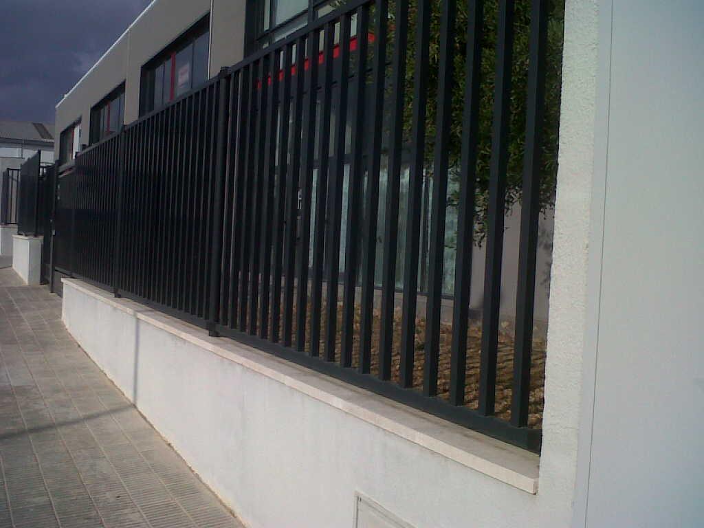 Seguridad historias de vallas y cercados - Verjas de hierro ...