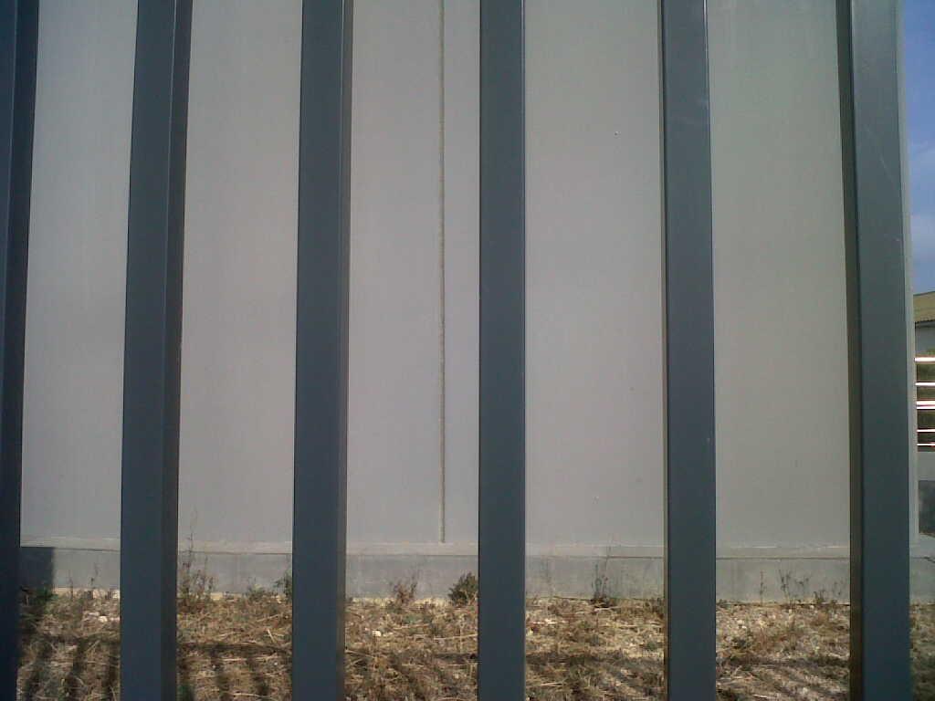 Vinuesa vallas cercados modelos valla verjas de hierro for Tubos de hierro rectangulares