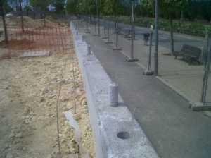 Perforacion sobre muro para montaje de poste