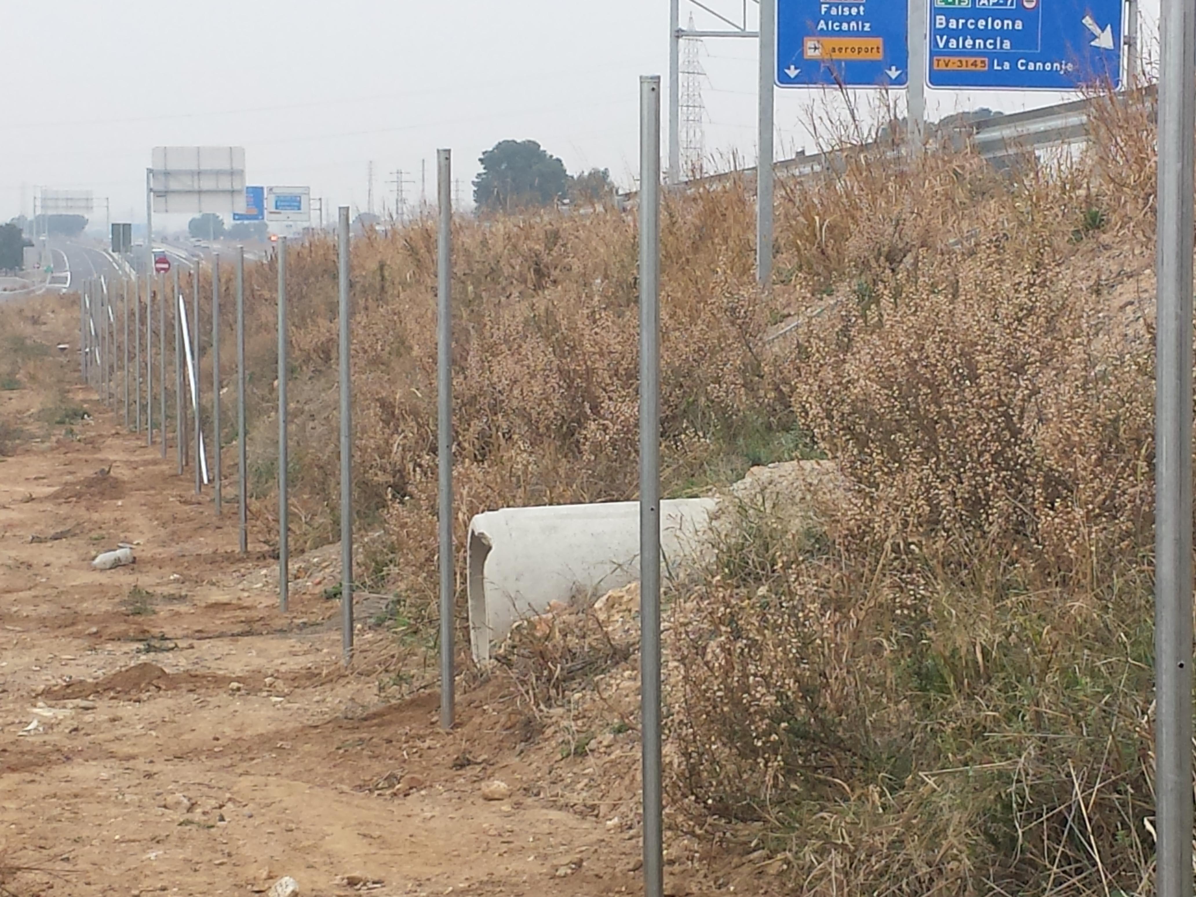 Vinuesa vallas cercados valla finca con cercado metalico - Estacas de madera para cierres ...