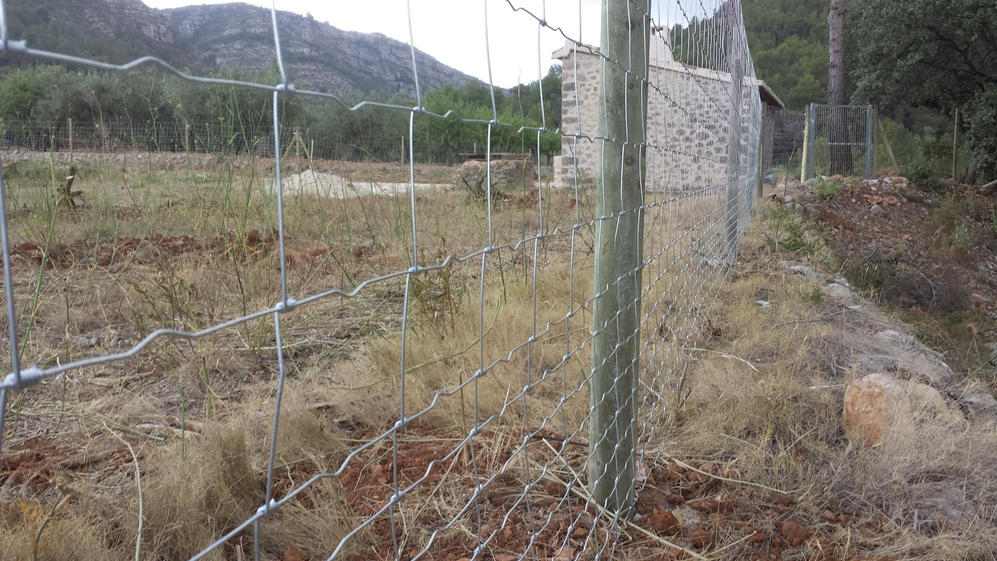Vinuesa vallas cercados valla finca con cercado metalico - Como cerrar un terreno con madera ...