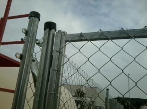 Puerta con tubo cremallera