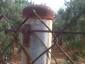 Accesorios de cercado oxidados