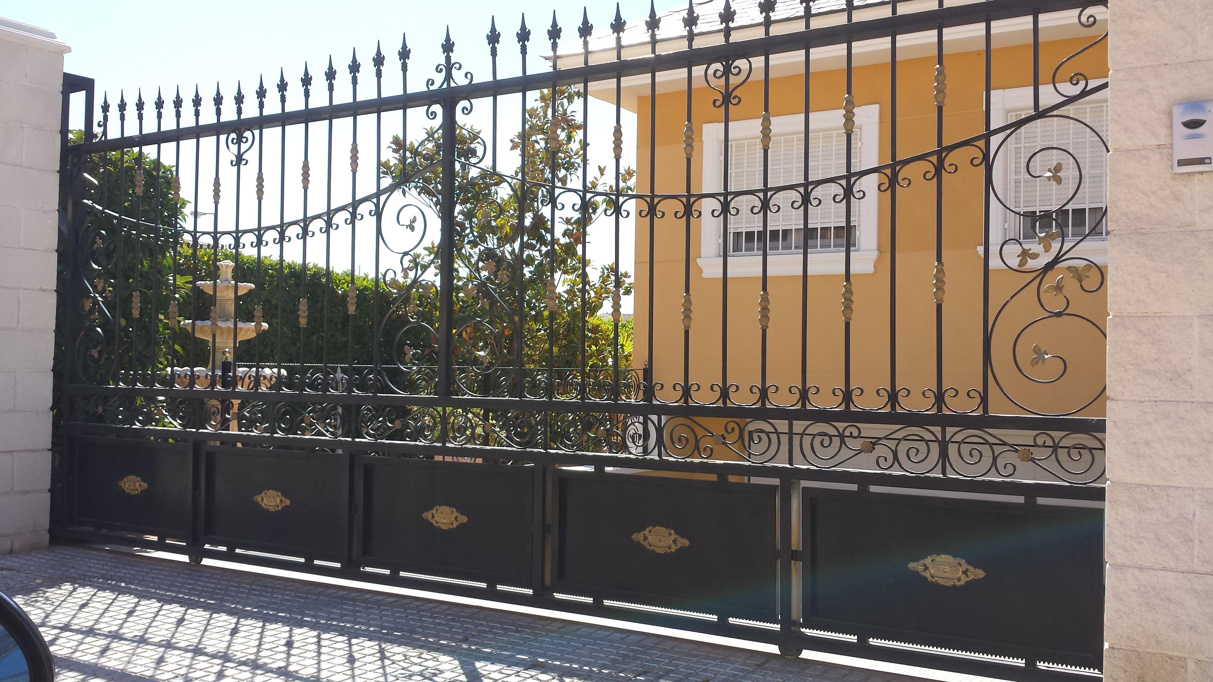 Vinuesa vallas cercados modelos valla verjas art sticas - Mejor pintura para hierro exterior ...