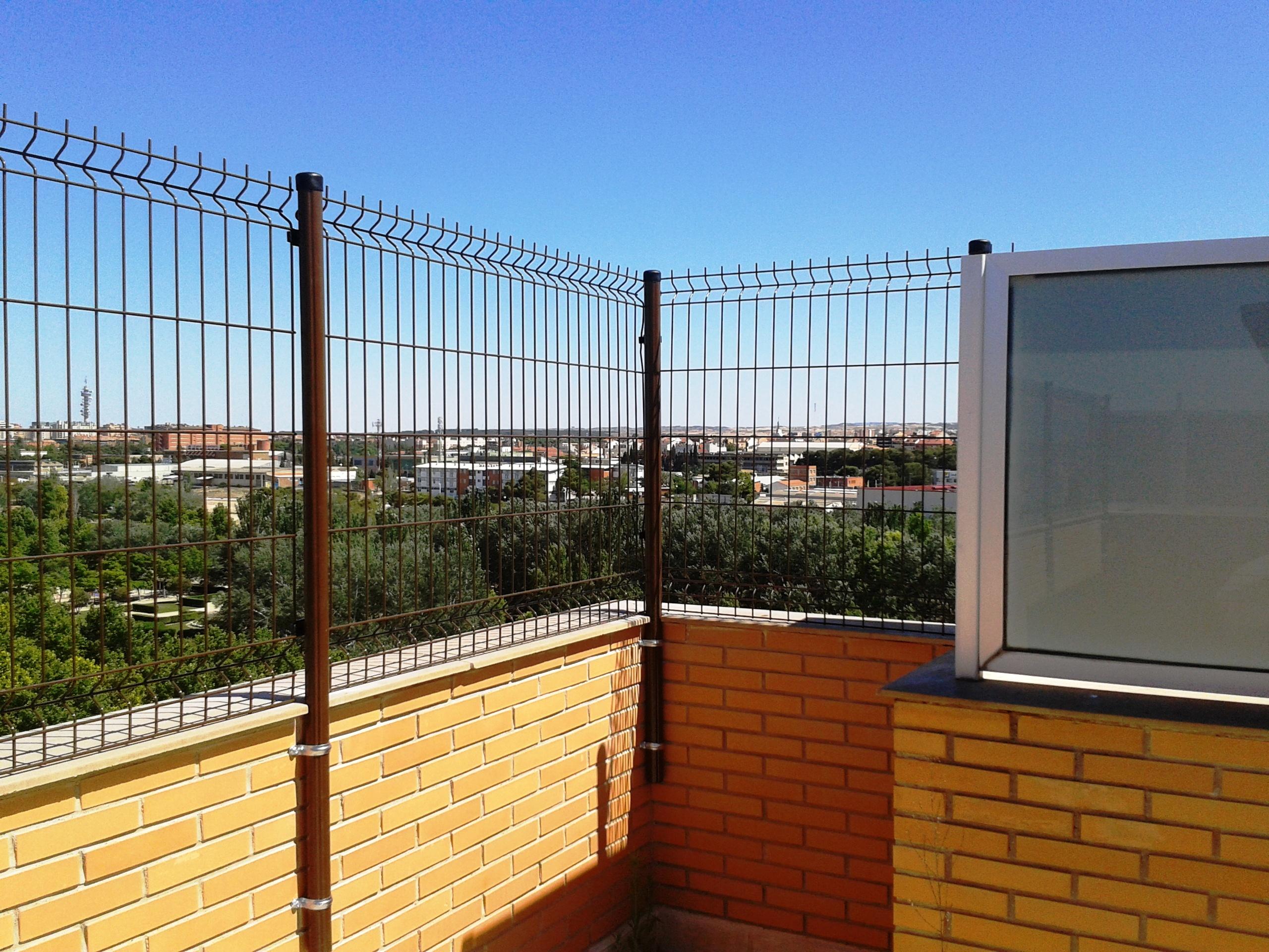 Vinuesa vallas cercados 5 formas de colocar de postes de - Vallas para muros ...