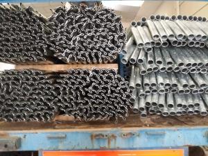 Postes de cercado metálico con espino