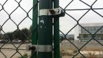 Abrazadera/tensor de poste redondo
