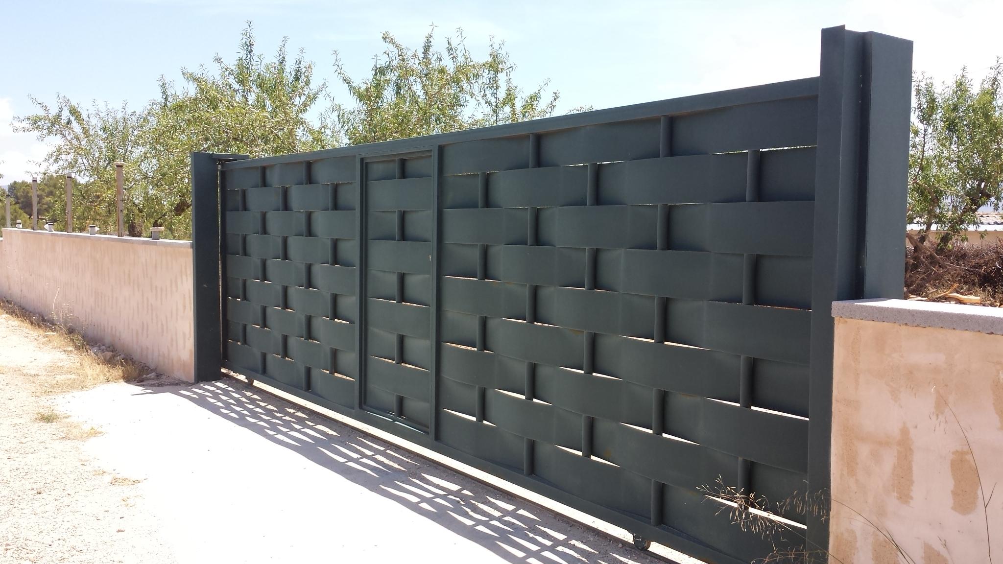 Vinuesa vallas cercados modelos de valla verjas chapa - Vallas exteriores para casas ...